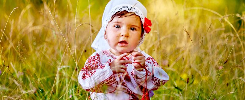 Aparte Babykleding.Aparte Baby Tradities In Bulgarije